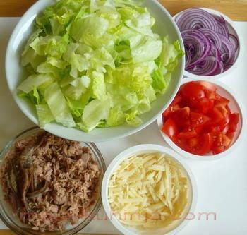 Sastojci za cezar salatu