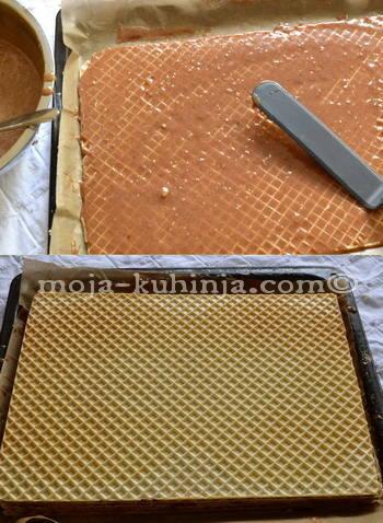 Premazivanje oblatni čokoladnom kremom