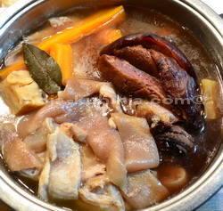 Suho meso i svinjske kožce za mesnu juhu