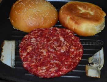 pečenje hamburgera