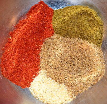 Priprema harissa suhe mješavinu začina