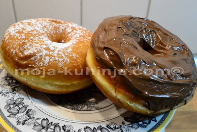 donuts, američke krafne, krafne sa rupom