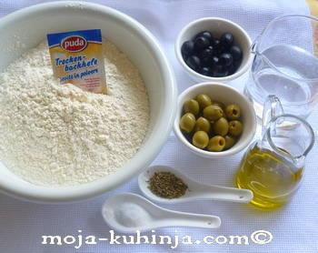 Brašno, masline, origano, maslinovo ulje