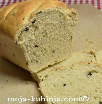 Kruh s maslinama