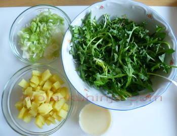 Salata od maslačka sa krumpirom i mladim lukom sastojci