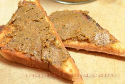 Paštete od fileta slanih sardela, kapara, maslina i sušene rajčice