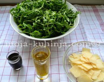 Ruccola(rikola,rikula), parmezan, balsamiko