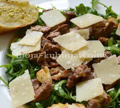 Rikola salata sa gyrosom