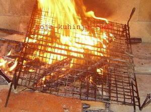 Preklopna rešetka za roštilj