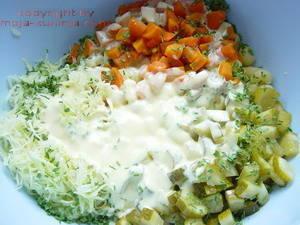 Tjestenina salata sa zeljem mrkvom krastavcima priprema