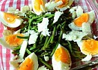 Salata od divljih šparoga i jaja