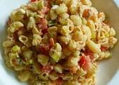 Salata od tjestenine sa tunom, povrćem i feta sirom