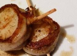 Kapesante ili jakobove kapice u ovitku od slanine
