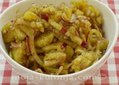 Krumpir salata sa bučinim uljem