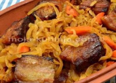 Pečena kisela repa sa špekom i mrkvom